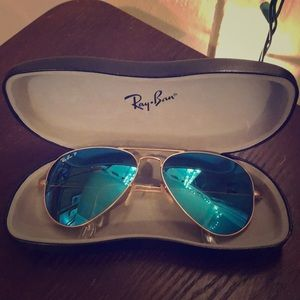 Unisex Ray-Ban aviator sunglasses; Blue and Gold